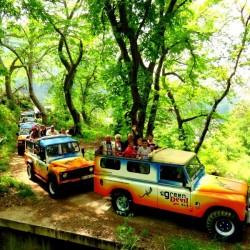 Jeep-safari-tour-half-day-Vineyards-Colours-in-Madeira-Island