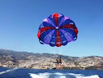 Parasailing in Funchal Madeira